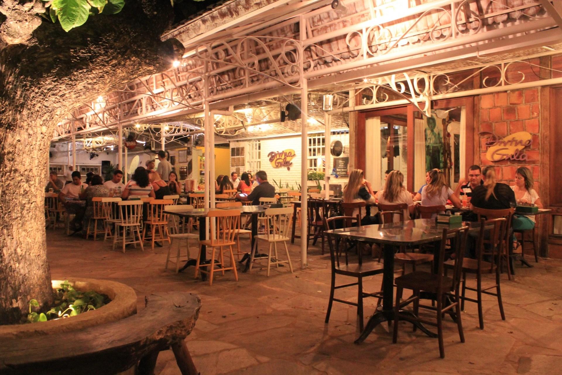 Área interna do Restaurante Divina Gula em Maceió Alagoas