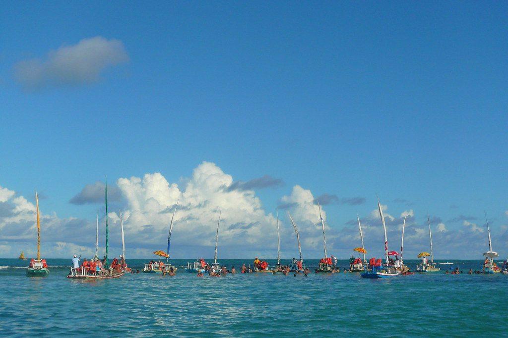 Maceió em Julho - Jangadas no mar de Maceió